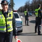 Policija linki saugių švenčių ir kelionių