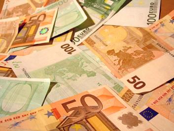 Vyriausybė pritarė: 2021 metais didės vaiko pinigai, pensijos ir minimali alga, o mokesčiai nesikeis