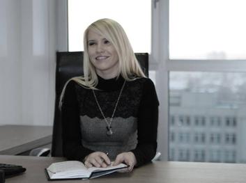 """Vaida dirba ARVI įmonių grupės viešųjų ryšių ir personalo projektų koordinatore, o laisvu laiku vadovauja asociacijai """"Marijampoliečiai"""" bei aktyviai veikia įvairioje pilietinėje veikloje."""