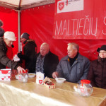 """Pirmieji akcijai """"Maltiečių sriuba 2014"""" pinigines atvėrė marijampoliečiai"""