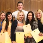 Studentams – stipendijos iš mero rankų