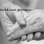 """Socialinė akcija """"Apgaubkime gerumu"""" kvies pradžiuginti vienišus senelius"""
