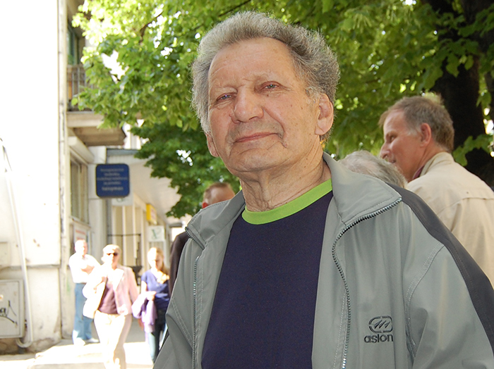 L. Krau