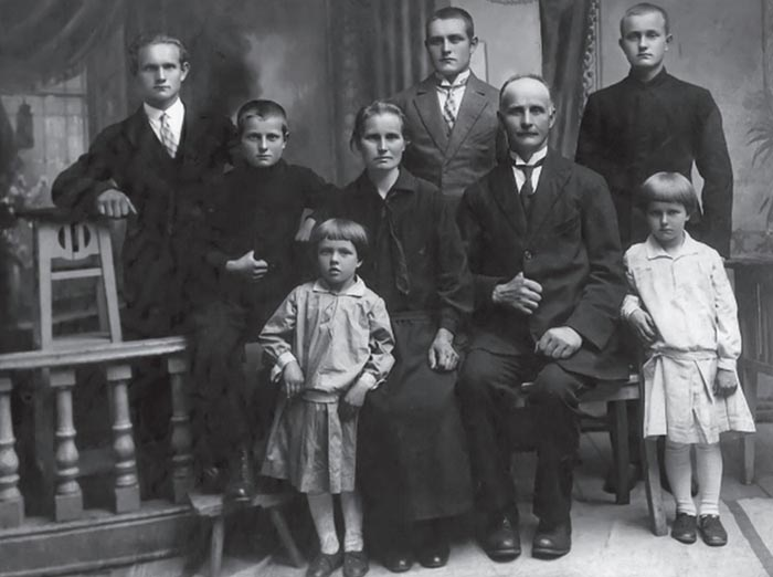 Lietuvos Prezidento Kazio Griniaus sesers Onos šeima