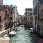 Venecija, arba sparnuoto liūto, gondolų, kuprotų tiltelių ir balandžių miestas