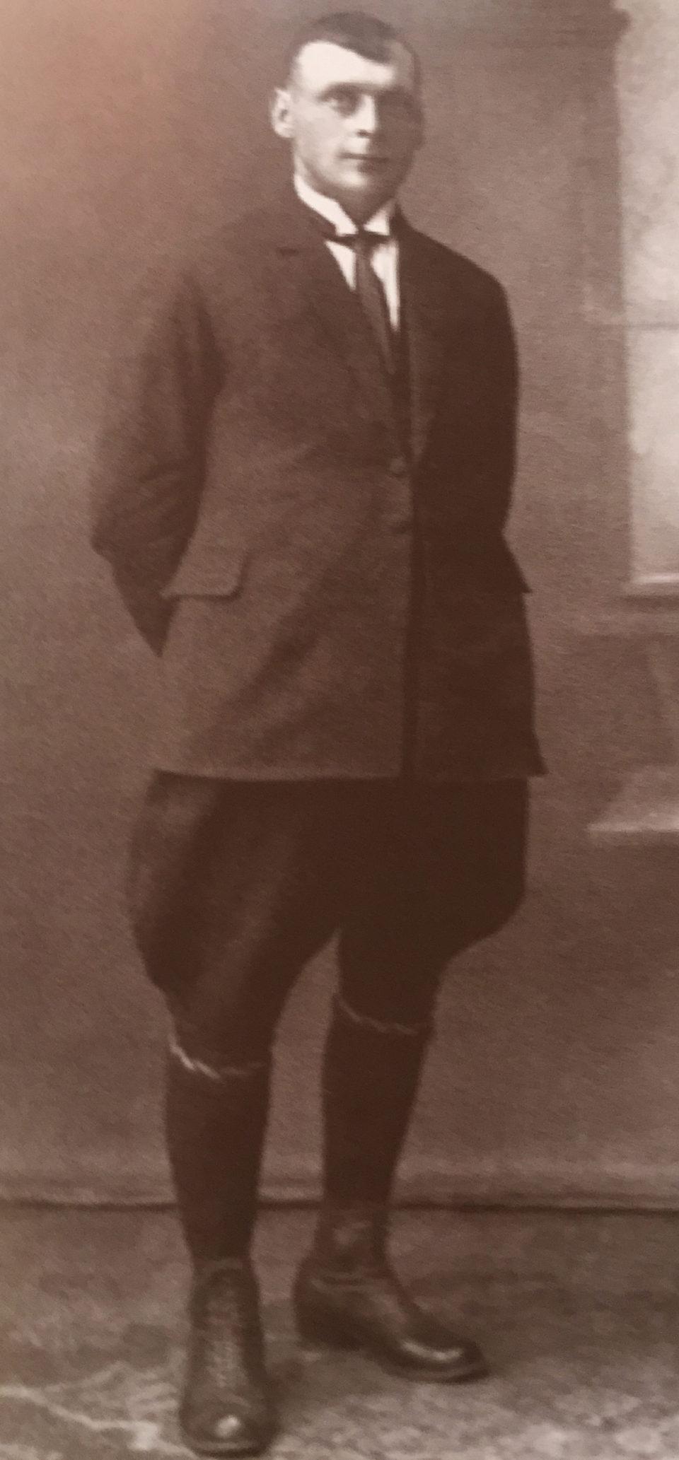 1Savanoris Jonas Maziliauskas.