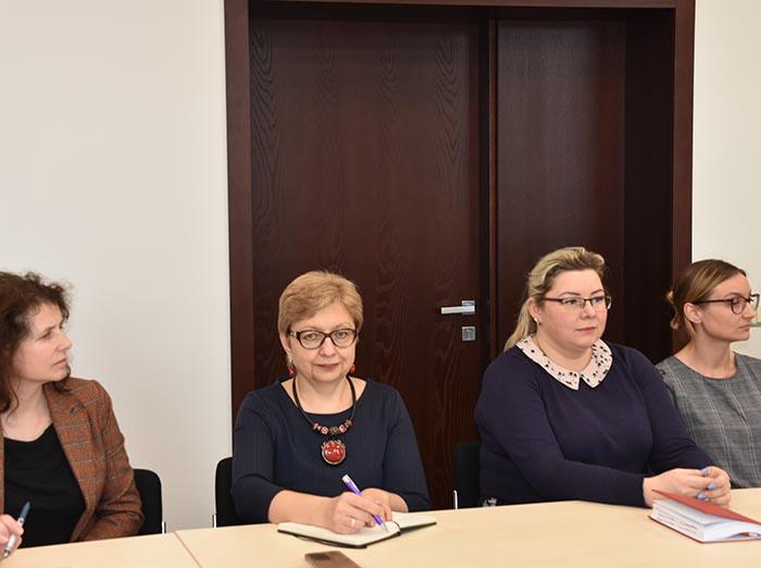 Aptartas kompleksinis pagalbos šeimoms organizavimas Marijampolės savivaldybėje  ir savižudybių prevencijos svarba