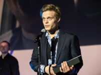 Geriausiu Europos debiutų konkurso aktoriumi išrinktas P. Markevičius palaiko tuos, kurie šiuo metu eina per savo tamsiausią naktį