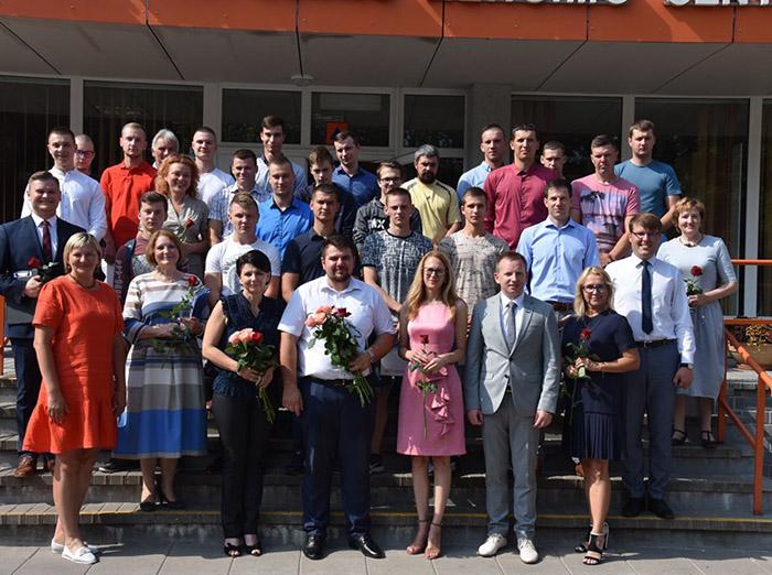 Profesinio rengimo centro diplomus atsiėmė per pusšimtis absolventų
