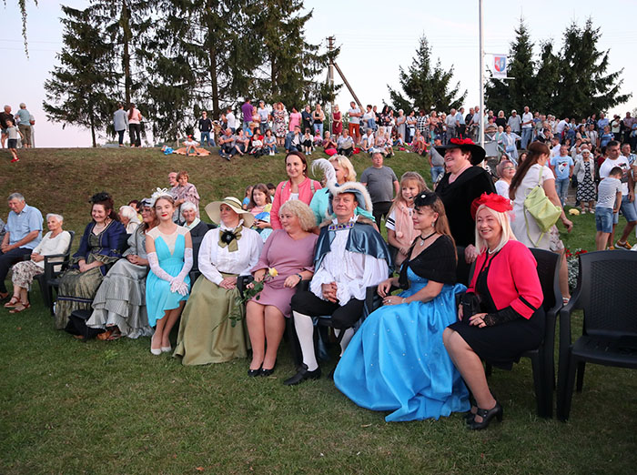 Lietuvos mažajai kultūros sostinei Liudvinavui – 300!!! Akimirkos iš vakaro koncerto prie muzikinio fontano