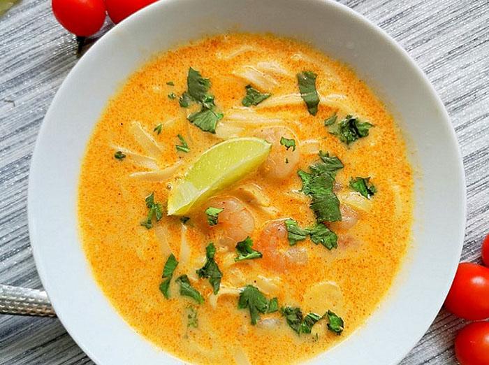 Greita tailandietiška sriuba su krevetėmis