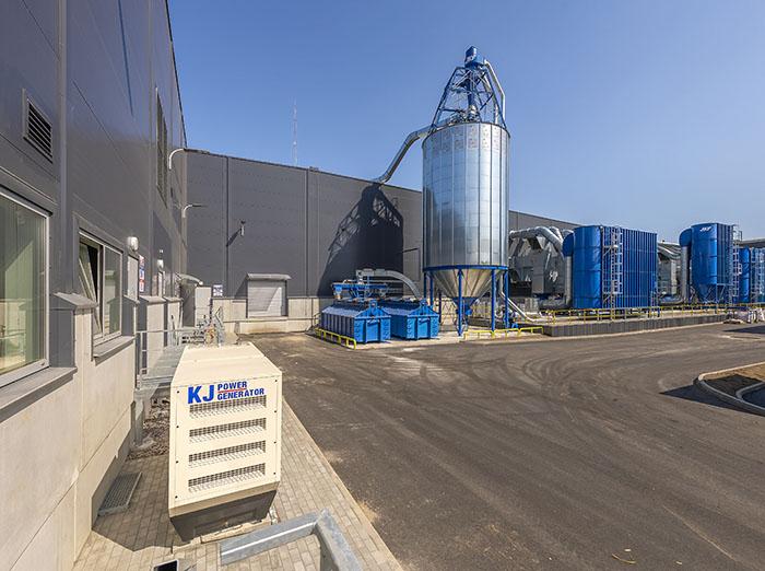 """""""IKEA Industry Lietuva"""" atidaro atnaujintą ir papildomai 30 000m2 išaugusią baldų gamyklą Kazlų Rūdoje"""