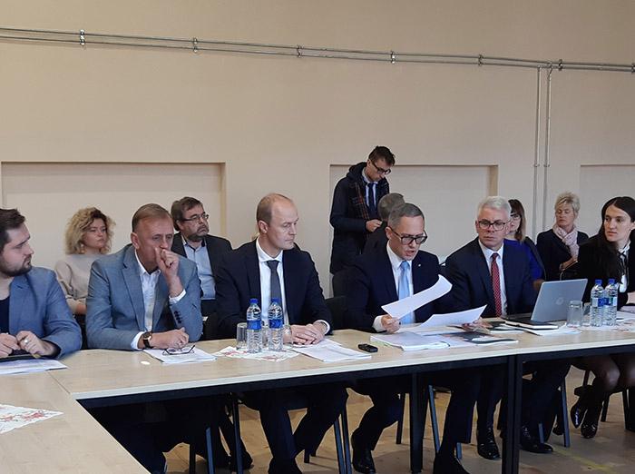 Marijampolės regiono plėtros taryboje pristatytos galimybės savivaldybėms panaudoti atsinaujinančius energijos išteklius transporto sektoriuje, gatvių apšvietime ir apsirūpinant šilumos energija
