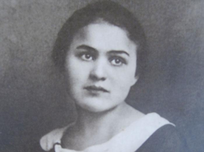 """S. Nėris – antroji poetė po Maironio II: """"Visa moteriškė sutelpa viename žodyje – meilė!"""""""