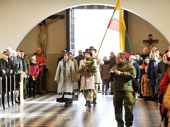 Marijampolė šventiškai paminėjo Lietuvos valstybės atkūrimo dieną!
