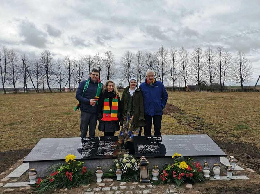 Liudvinave atidengtas paminklas Nepriklausomybės kovų Liudvinavo valsčiaus savanoriams