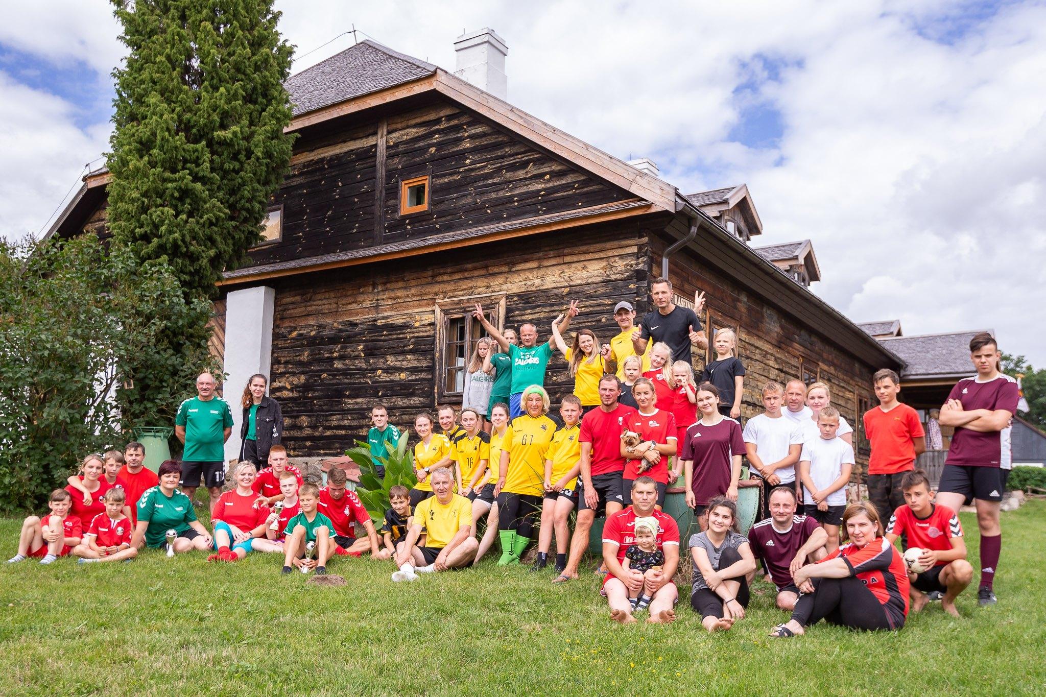 Futbolas žaidžiamas Lietuvos istorinėse vietose II