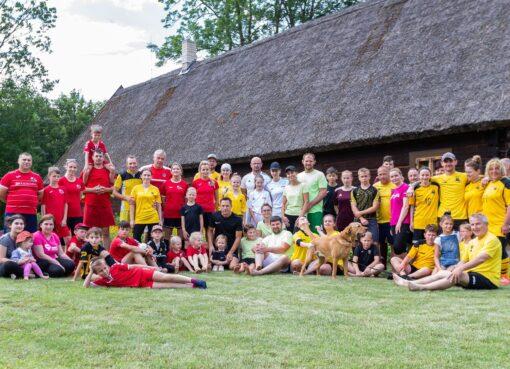 Futbolas žaidžiamas Lietuvos istorinėse vietose