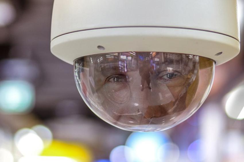 Vaizdo stebėjimo kameros savivaldybės administracijos direktoriaus akimis