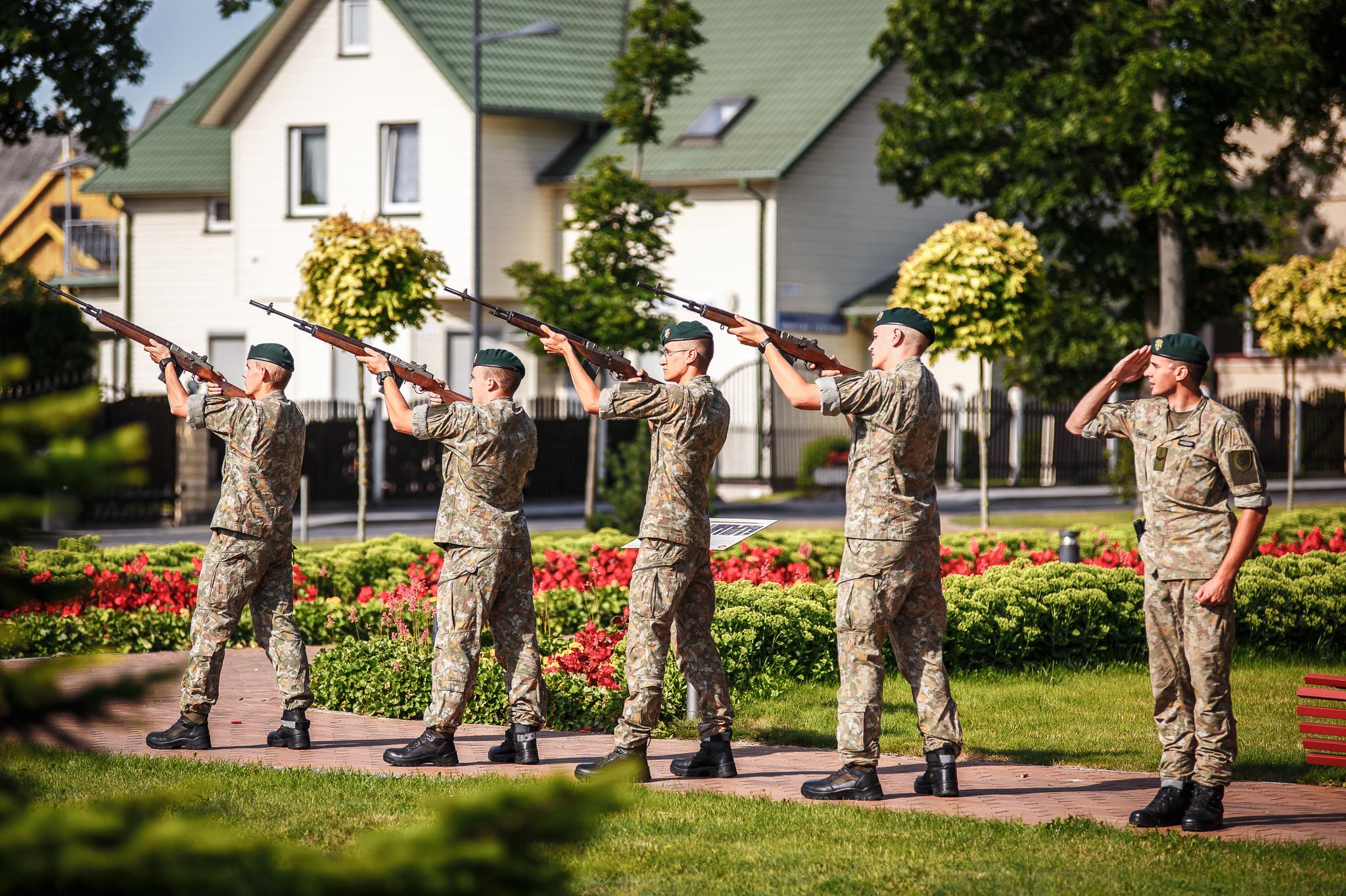 Tauro apygardos partizanų 75-mečio minėjimas Marijampolėje ir Skardupiuose
