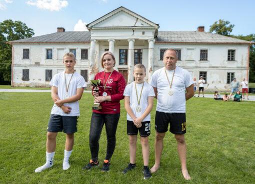 Futbolas žaidžiamas Lietuvos istorinėse vietose IV