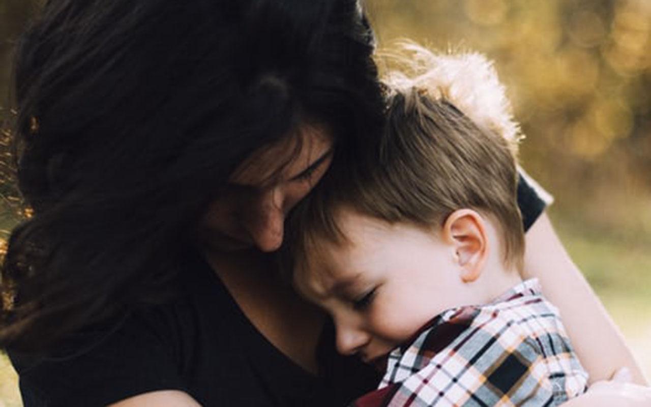 Kas daroma, kai vaikas netenka abiejų tėvų?