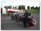 Lakūnas Gintautas Staniulis: į lėktuvą - motociklu.