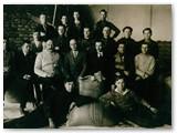 Fabriko darbuotojai (1932 m.).