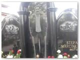 Išskirtinė S. Marcinkevičiaus kapavietė.