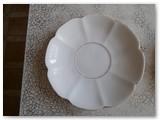 Lėkštelė iš  Dembovskio porcelianinių lėkštelių komplekto.