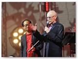 Menininkas Ray Bartkus ir kompozitorius Tom Chiu.